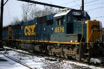 CSX 8576 on Q301